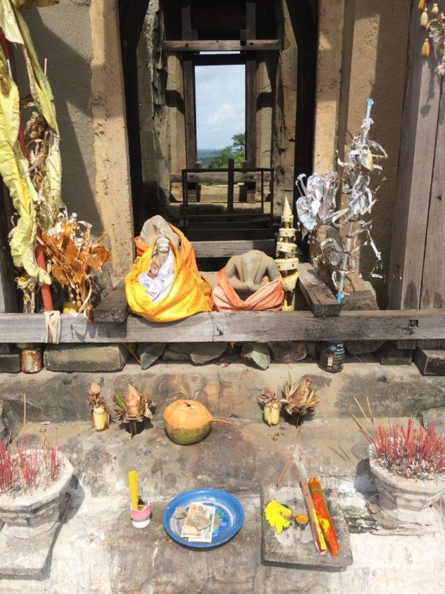 Angkor Wat Path Cambodia Siem Reap Temple Offerings