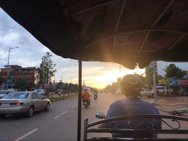 Angkor Wat Path Cambodia Siem Reap Tuk Tuk Driving Streets