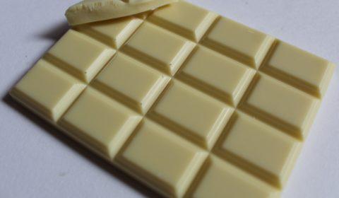 Craft chocolate bar Pump Street Bakery White Chocolate 44% Madagascar Front of Bar Closeup