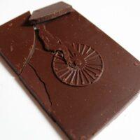 Craft chocolate bar naive lithuanian ambrosia dark pollen chocolate front of bar closeup