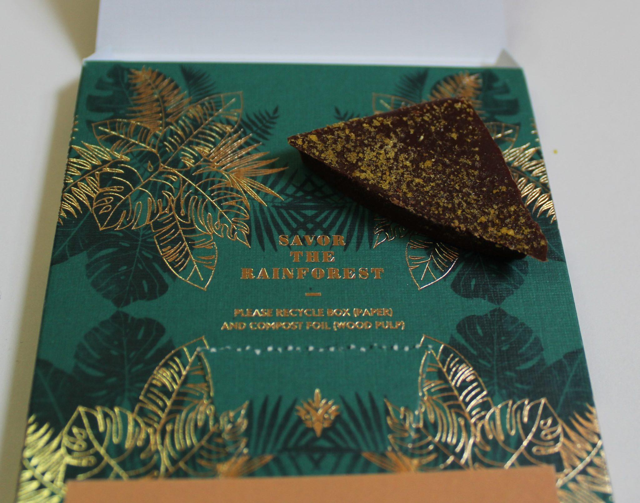 craft chocolate review harper macaw fall spice dark milk back of bar closeup with packaging