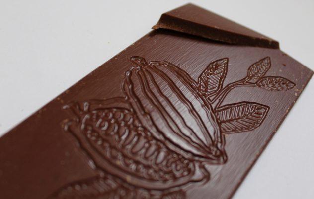 craft chocolate bar review chocolarder chuno milk chocolate front of bar closeup