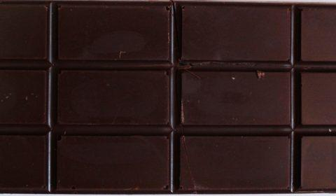 Craft Chocolate Review Sun Eaters 80% Front of Bar
