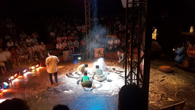 Cambodia 3 Days in Vietnam 114 632x356 - ​A Night at the Cambodian Circus: Phare Ponleu Selpak
